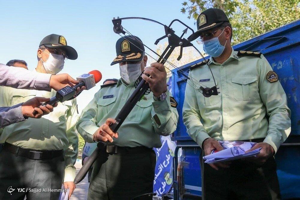 عکس   سلاح عجیب کشفشده از اراذل در پایتخت؛ اسلحه جومونگ در تهران!