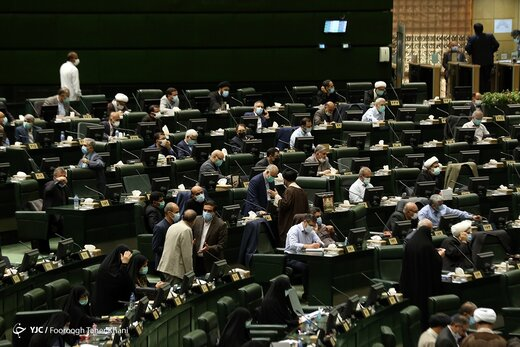 رونمایی از منتقدان تازه مجلس انقلابی/ قرار بود مجلس، دولت روحانی را در مسیر درستی قرار دهد!