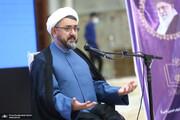 انتقاد کمساری از ارائه تصویر نادرست از امام برای نسل جوان/ هرکسی از ظن خودش امام را معرفی می کند