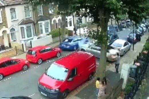 ببینید | رانندگی دیوانهوار به سبک GTA وسط خیابانهای انگلستان!