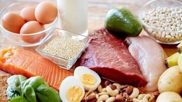 در طول روز خیلی گرسنه میشوید؟ این غذاها را بخورید