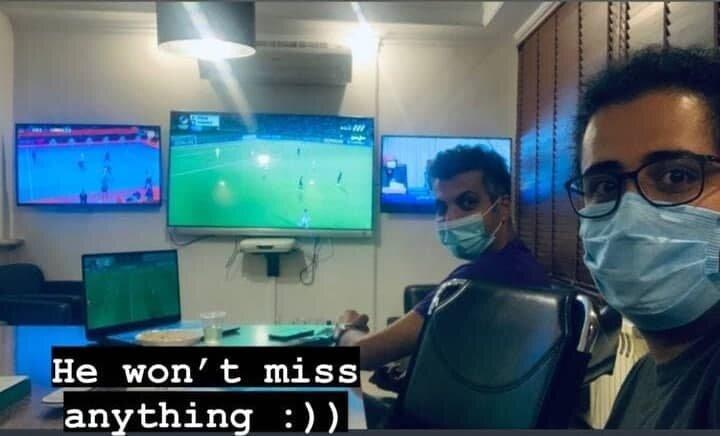 عکس   عادل فردوسیپور اینگونه عاشق و دیوانه فوتبال است
