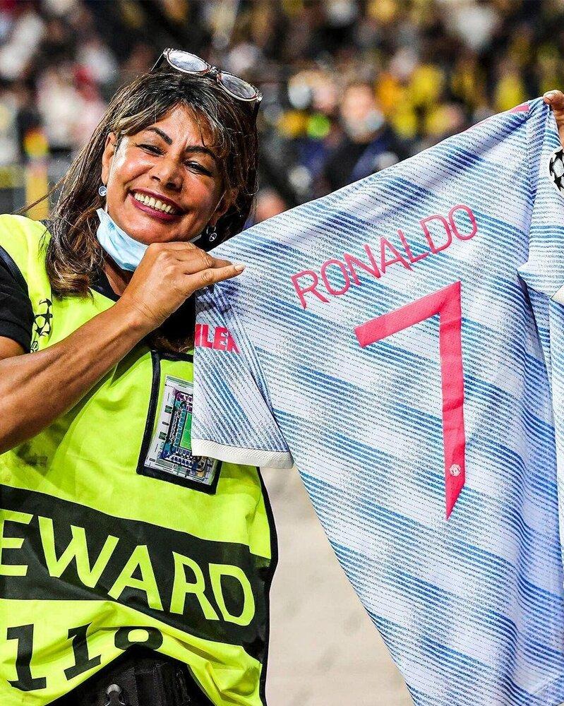 دلجویی کریس رونالدو از یک زن/عکس