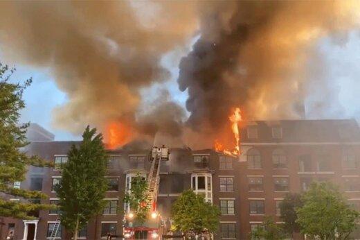 ببینید | لحظه وحشتناک فرار یک مرد از آتش سوزی در ساختمانی در روسیه