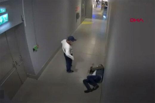 ببینید | لحظه مرگ تلخ یک قاچاقچی؛ پاره شدن بسته مواد مخدر در معده!