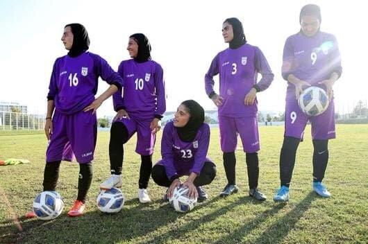 روحیه بالای زنان فوتبال ایران برای بازی با بنگلادش/عکس