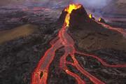 ببینید | رسیدن گدازههای آتشفشان به منازل مسکونی در جزایر قناری