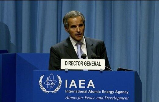 گروسی: ایران و آژانس برای حل مسائل هستهای همکاری میکنند
