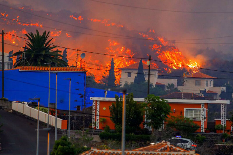 تصاویر | فوران آتشفشان در جزایر قناری
