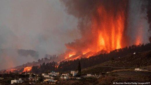 ببینید | گدازههای آتشفشانی در استخر و منازل در جزایر قناری