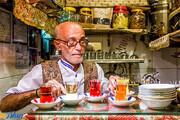 ببینید | گشتی در کوچکترین چایخانه دنیا در بازار تهران