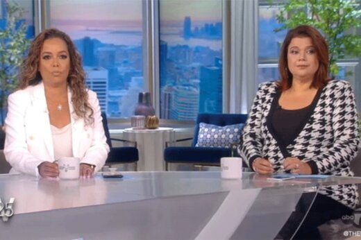 ببینید | اخراج دو مهمان برنامه تلویزیونی بخاطر مثبت شدن آزمایش کرونا