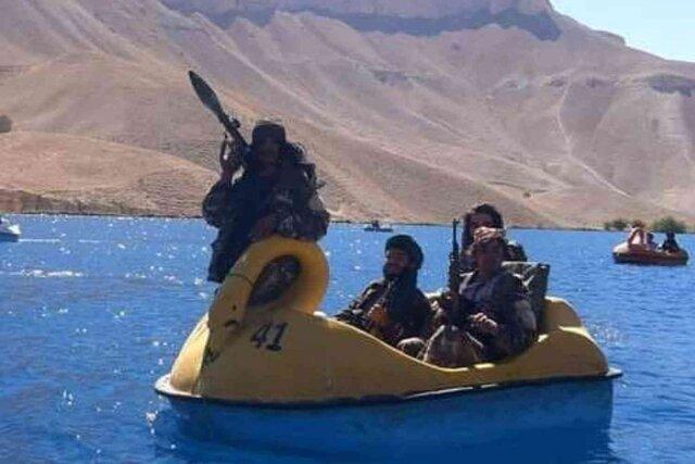 انتشار تصاویر جنجالی از خوشگذرانی نیروهای طالبان/ طالبان به نیروهای خود: زیاد خوشگذرانی نکنید!/عکس