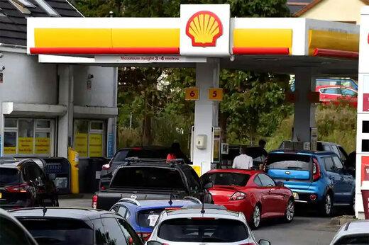 ببینید | افزایش وحشت عمومی و زد و خورد در پمپ بنزین های انگلیس