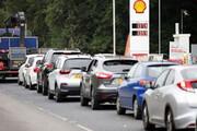 ببینید | صفهای طولانی در مقابل پمپ بنزینها در لندن