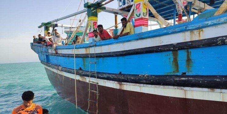 شناور پاکستانی که گرفتار طوفان شاهین شده بود در آبهای جاسک نجات یافت