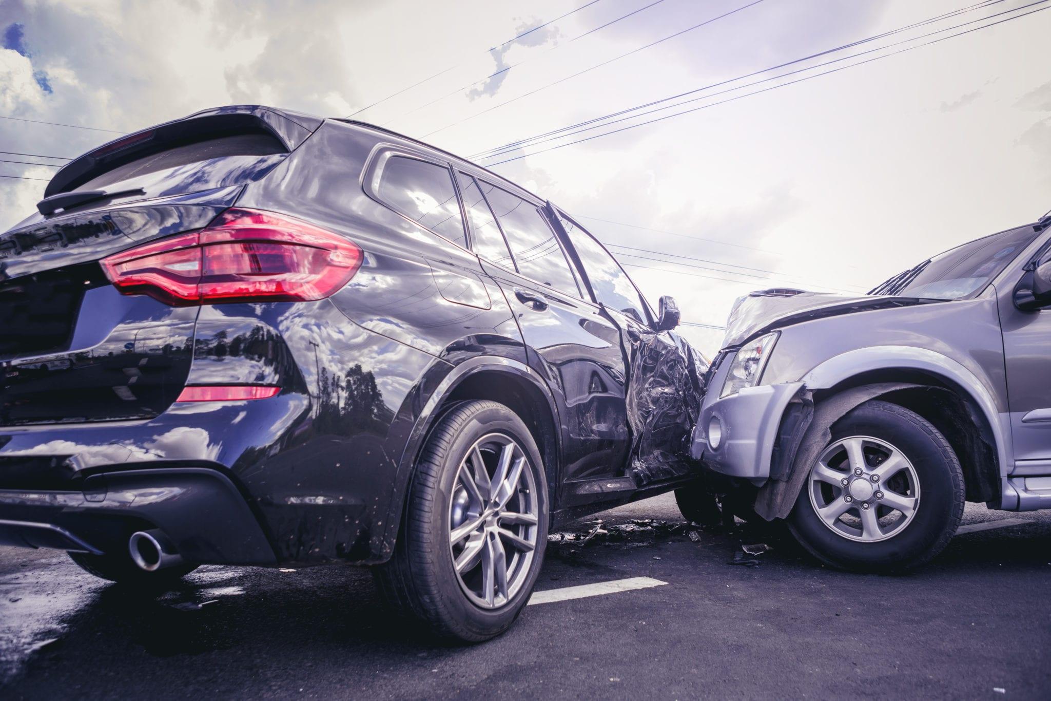 بیمه شخص ثالث ماشین برای انواع خسارات جانی و مالی خودرو