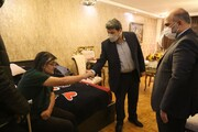 عیادتِ رئیس سازمان سینمایی از رضا رویگری/ عکس