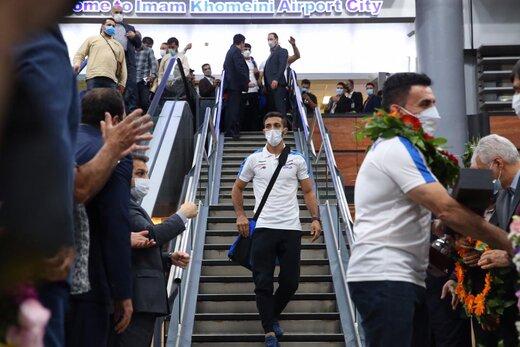 تصاویر   بازگشت تیم ملی کشتی فرنگی به کشور