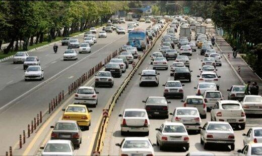 روزنامه آفتاب یزد: فقط عنابستانی از خط ویژه عبور نکرد/ بسیاری از نمایندگان و مقامات دولتی هم عبور می کنند