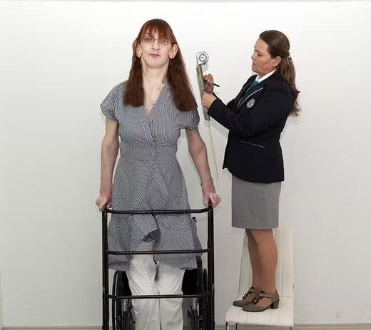 زن ۲۴ ساله اهل ترکیه قدبلندترین زن جهان شناخته شد/ تصویر