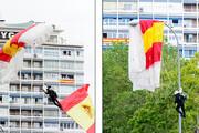 ببینید | اشتباه دردسرساز چترباز اسپانیایی مقابل چشمان فرمانده ارتش