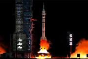 ببینید | پرتاب موفقیتآمیز فضاپیمای چینی با سه فضانورد