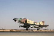 ببینید | لحظه هیجانانگیز بلند شدن یک جنگنده F4 ارتش از دید کابین خلبان