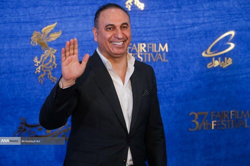 ببینید   خوانندگی جالب حمید فرخنژاد با آهنگ عربی معروف در آمریکا